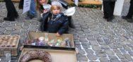 Berner Muenster Weihnachtsmarkt 2005 Besucher Engeli 2  Album Berner Münster Weihnachtsmarkt